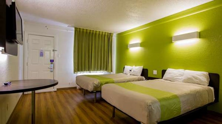 Motel 6 Austin Midtown Room