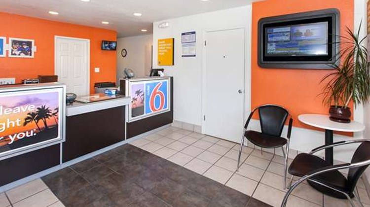 Motel 6 Los Angeles/Rosemead Lobby