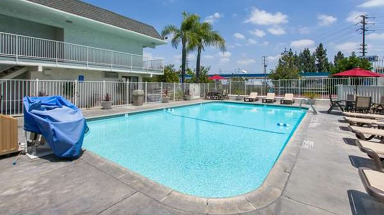 Motel 6 Los Angeles/Rosemead Pool