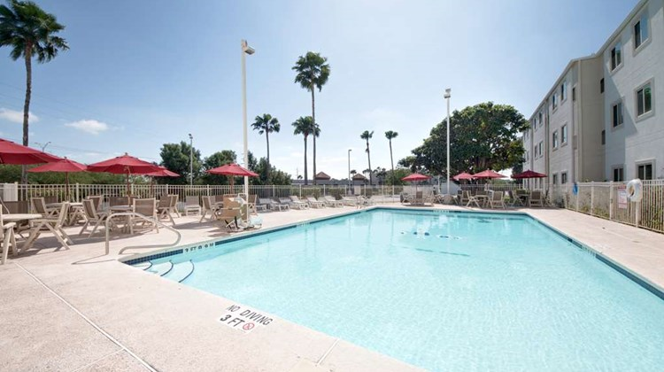 Motel 6 Brownsville Pool