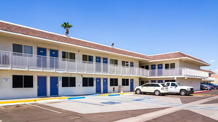 Motel 6 Mesa North Exterior