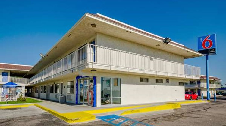 Motel 6 Denver - Thornton Exterior