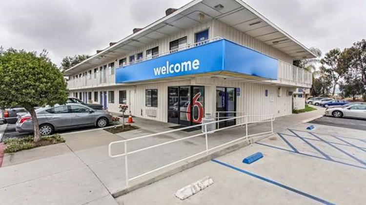 Motel 6 Salinas South Exterior