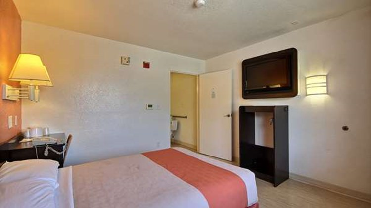 Motel 6 West Room