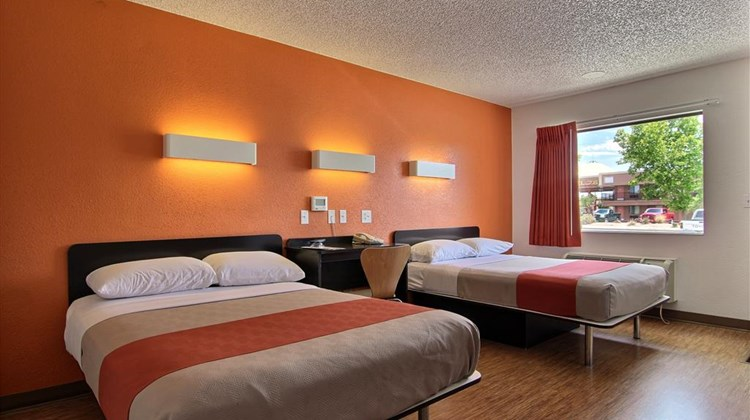 Motel 6 Albuquerque Coors Road Room