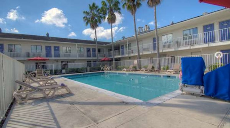Motel 6 Orlando-Winter Park Pool