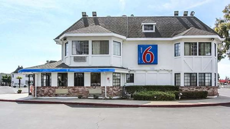Motel 6 Fremont North Exterior