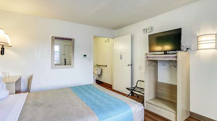 Motel 6 Coos Bay Room