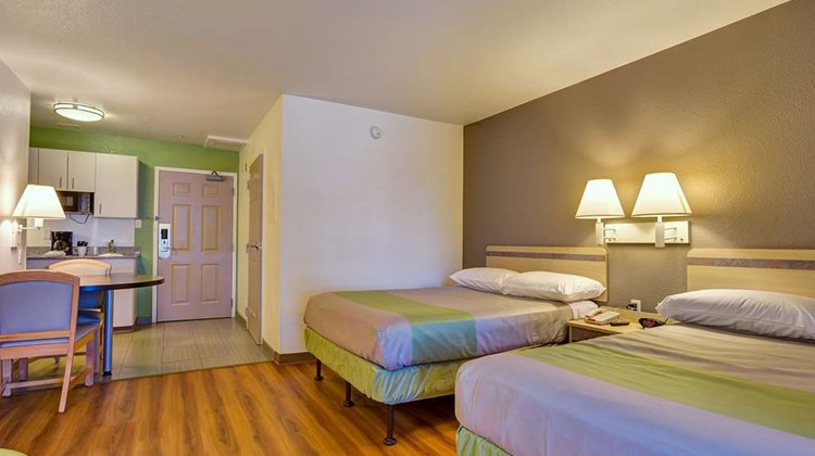 Motel 6 Redwood City Room