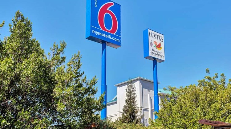 Motel 6 Redwood City Exterior
