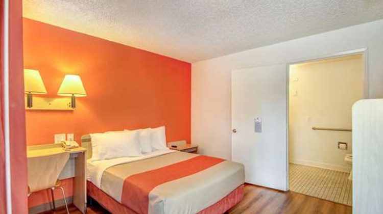 Motel 6 Stockton North Room