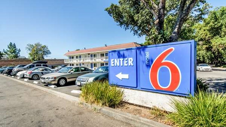Motel 6 Stockton North Exterior