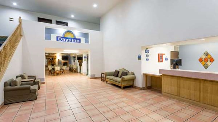 Days Inn Benson Lobby