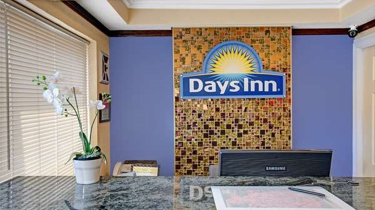 Days Inn San Francisco/Lombard Lobby