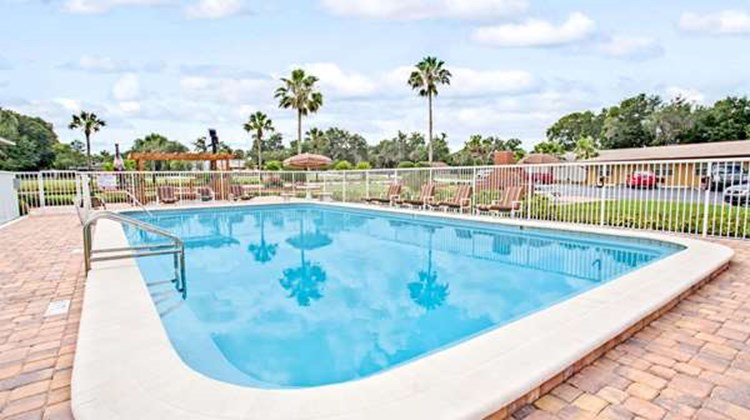 Days Inn Orange City/Deland Pool