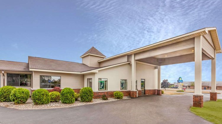 Days Inn Alpena Exterior