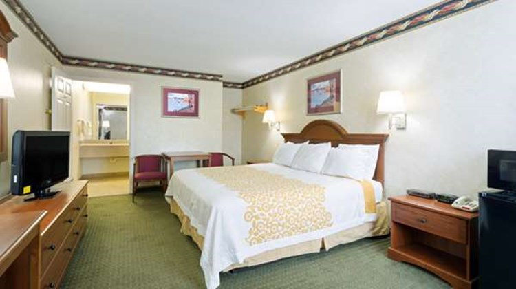 Days Inn Clinton Room