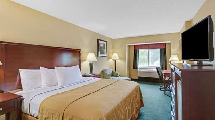Ramada Kittery Room