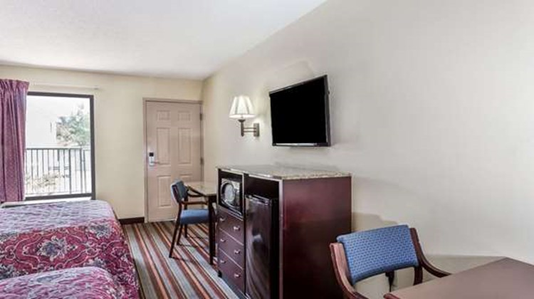 Days Inn Sanford Room