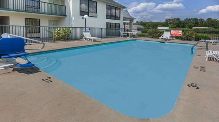 Days Inn Sanford Pool