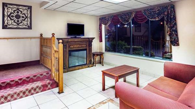 Super 8 Morristown/South Lobby