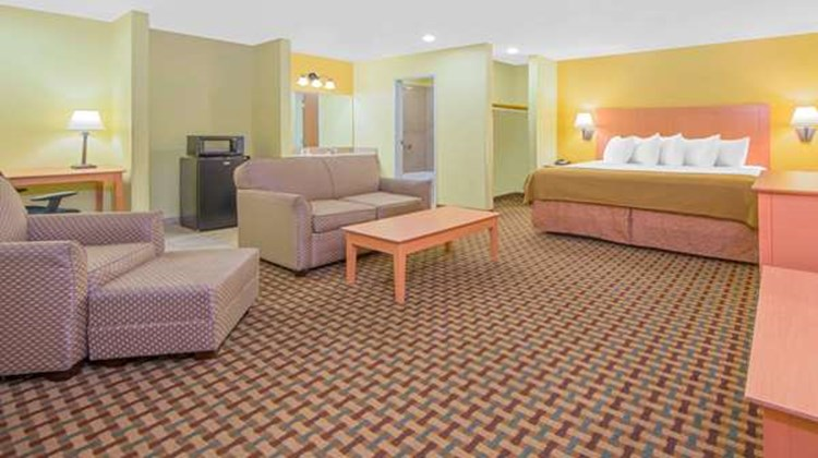 Days Inn Lubbock South Suite