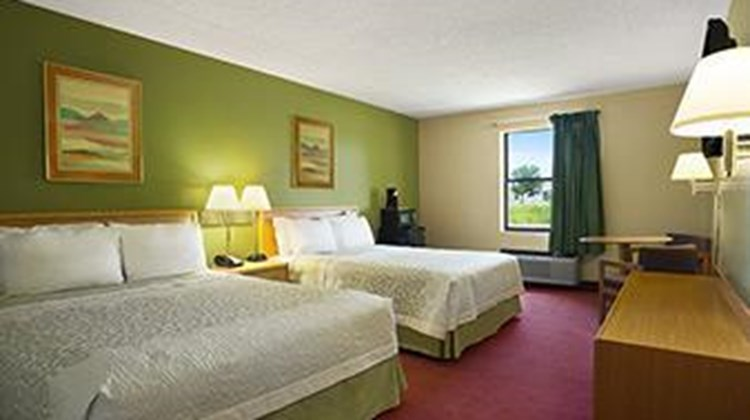 Days Inn Wichita North Room