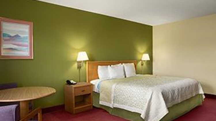 Days Inn Wichita North Suite