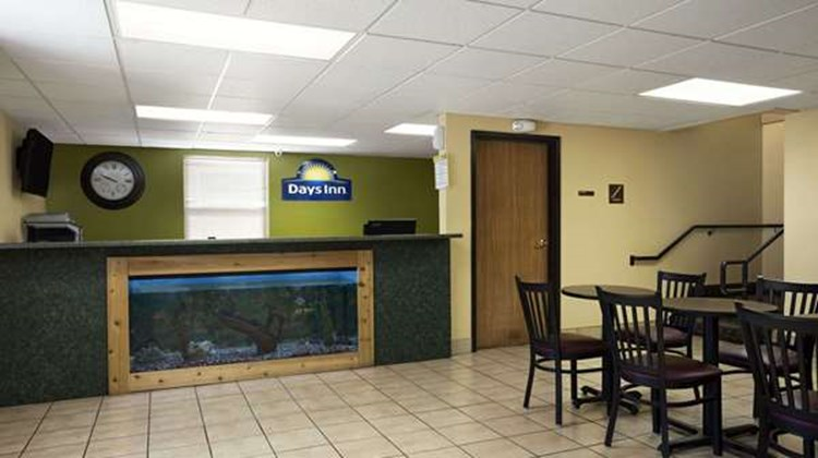 Days Inn Wichita North Lobby