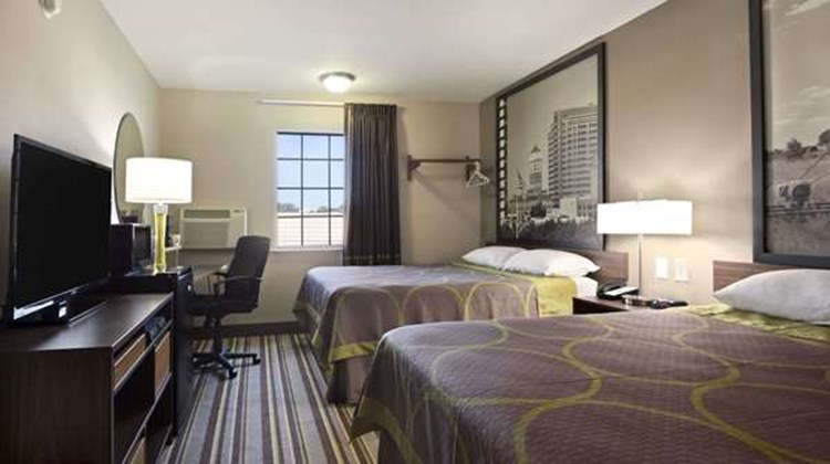 Super 8 Ardmore Room