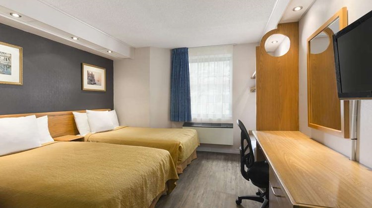 Travelodge Brockville Room