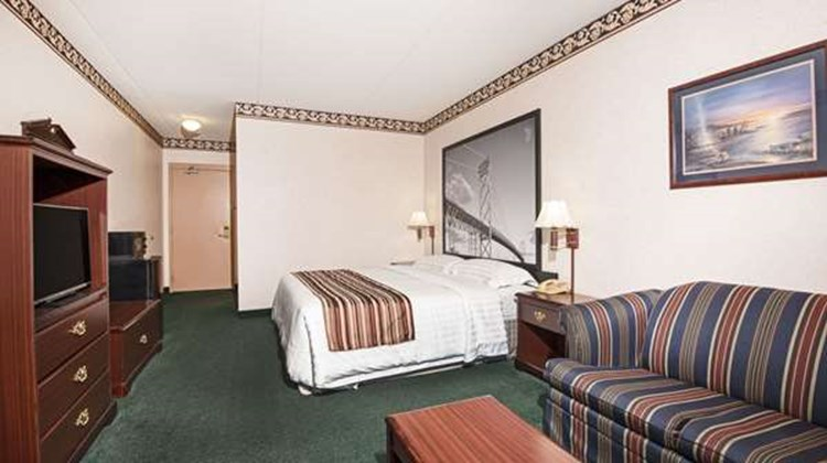 Super 8 Windsor Room