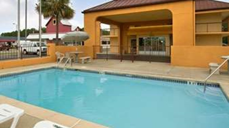 Days Inn Moss Point Pascagoula Pool