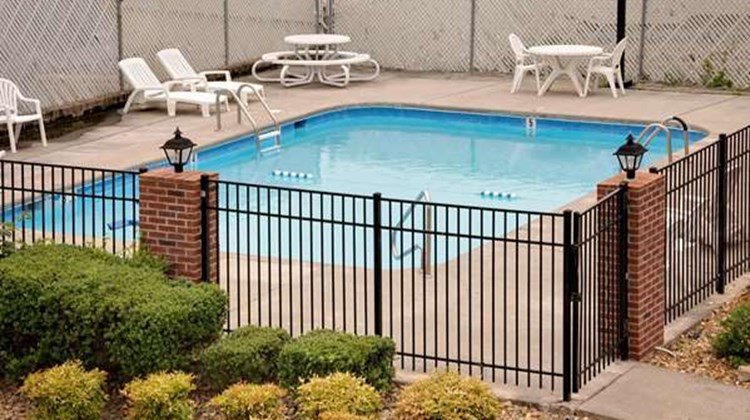 Days Inn Cleveland TN Pool
