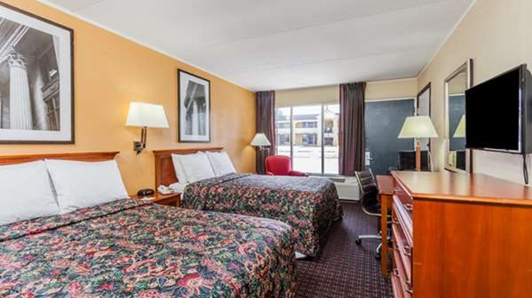 Days Inn Seymour Room