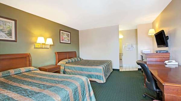 Knights Inn South Hackensack NJ/NYC Area Room