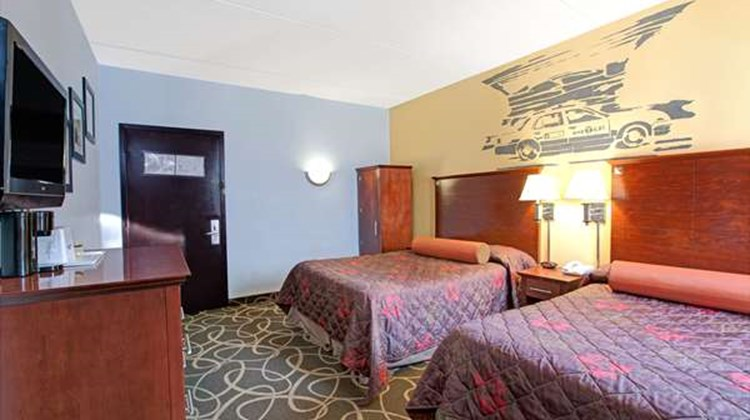 Howard Johnson Inn Queens Room