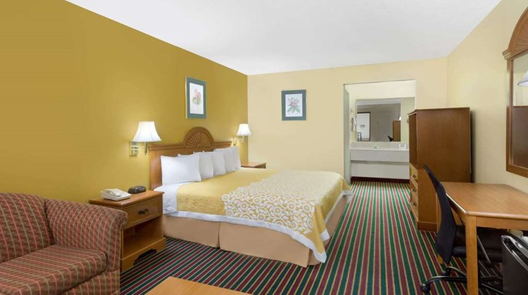 Days Inn Biscoe Room