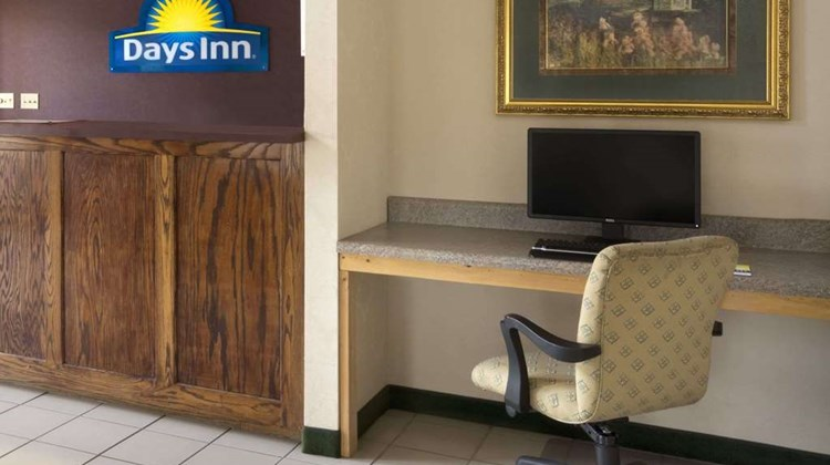 Days Inn Alma Lobby
