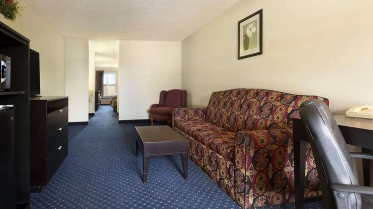 Days Inn Alma Suite