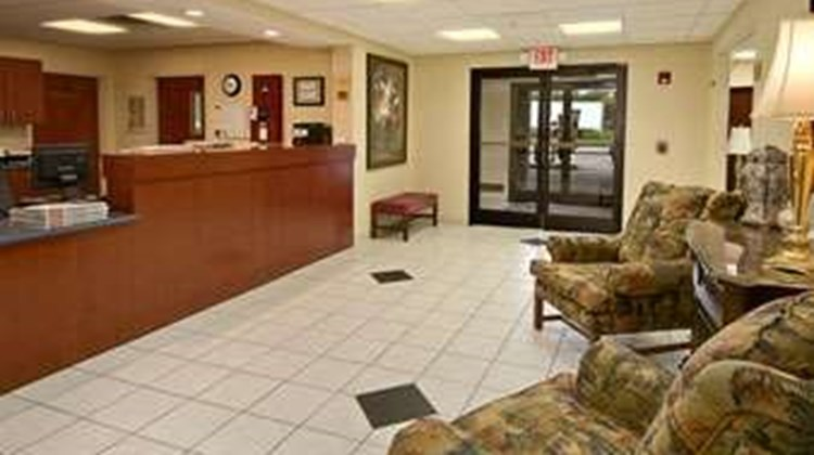 Ramada Limited Mount Sterling Lobby
