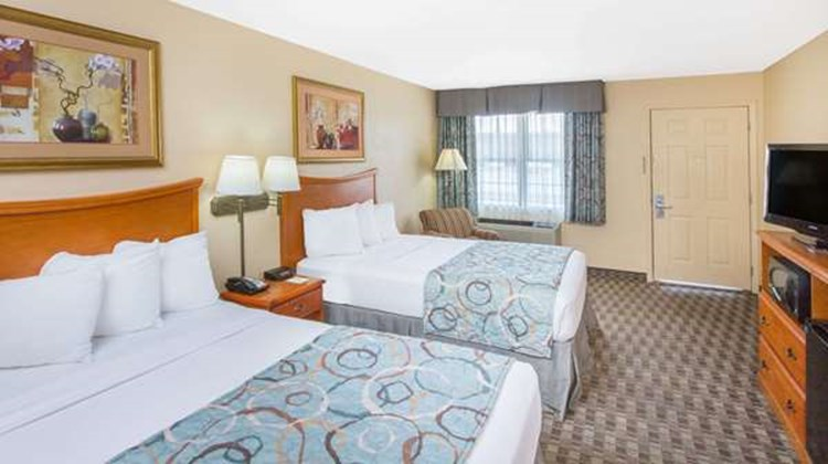 Days Inn Lonoke Room