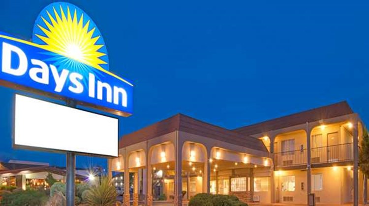 Days Inn Midtown ABQ Exterior