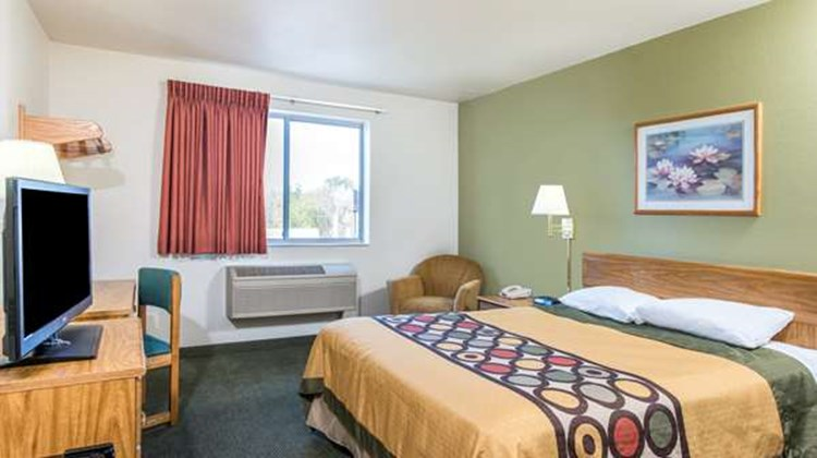Super 8 West Middlesex/Sharon Area Room