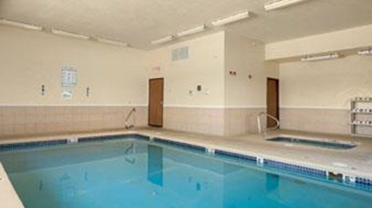 Days Inn Jefferson City Pool