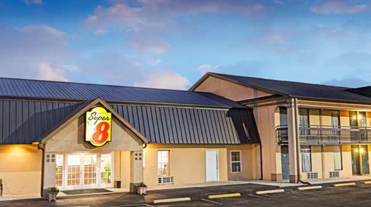 Super 8 Carrollton Exterior