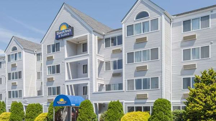 Days Inn & Suites Groton Exterior
