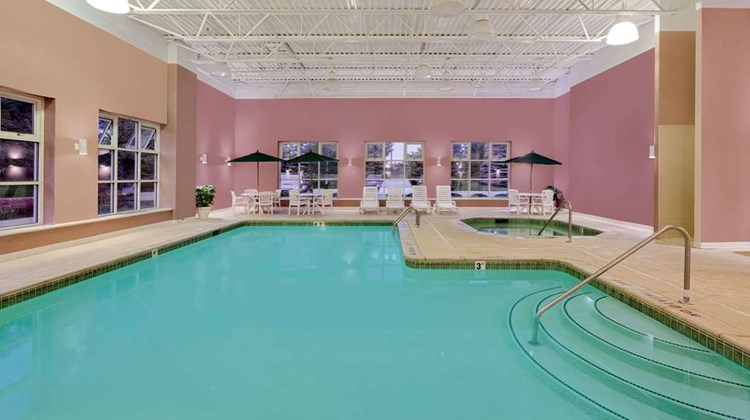 Baymont Inn & Suites Grand Rapids SW Pool