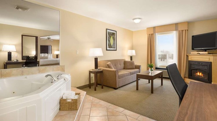Ramada Limited Golden Suite