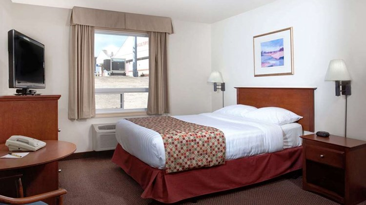 Super 8 Caraquet Room